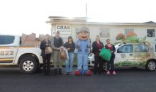 Ação social da BM e Florybal doa mil peças de roupas em Canela
