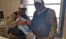 Domingo de Páscoa: bebê engasgado é salvo por policiais em Canela